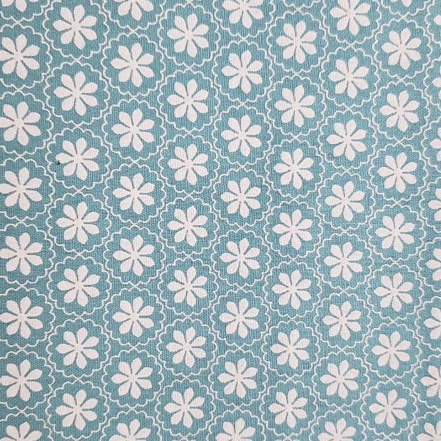 Tricoline - Floral Branco - Fundo Azul - Fabricart