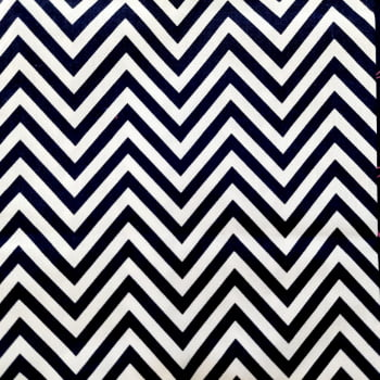 Tecido tricoline chevron azul marinho - fundo branco - Fernando Maluhy
